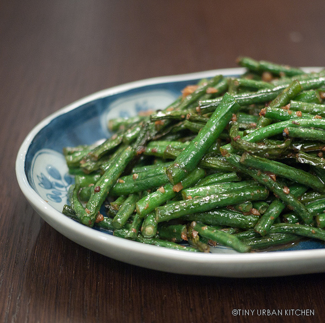 Stir Fried Chinese Long Beans with Garlic