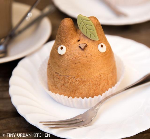 Totoro Cream Puff Shiro Hige Cream Puff Factory